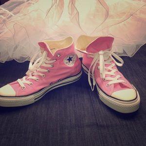 Converse All Star Unisex Pink Chucks - Like New!